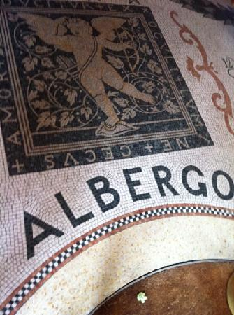 SensCity Hotel Albergo: the few impressive items in the hotel are its mosaics