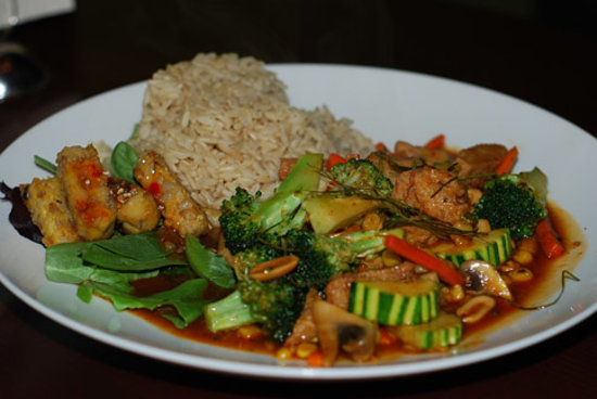 The Green Elephant: Asian vegetable stir fry with soy meat and spicy chili sauce