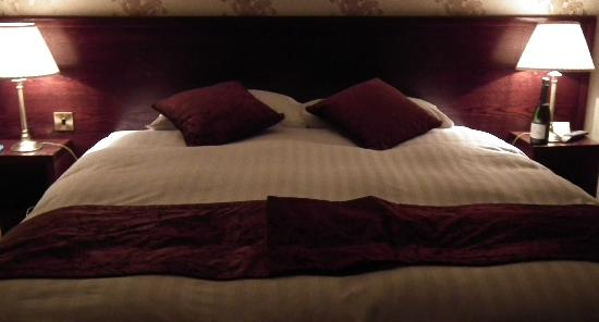 Cabot Court Hotel: Comfy Bed