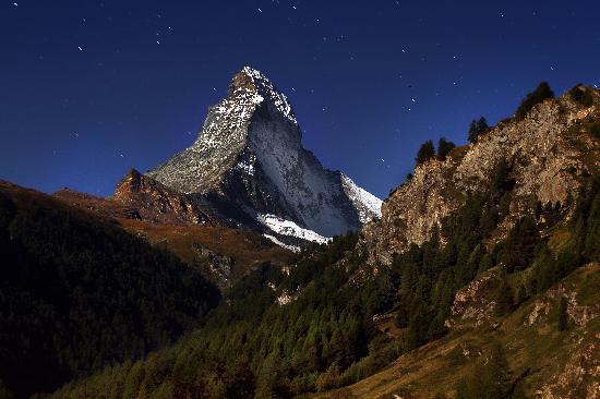 Hotel Antares : Matterhorn at Night
