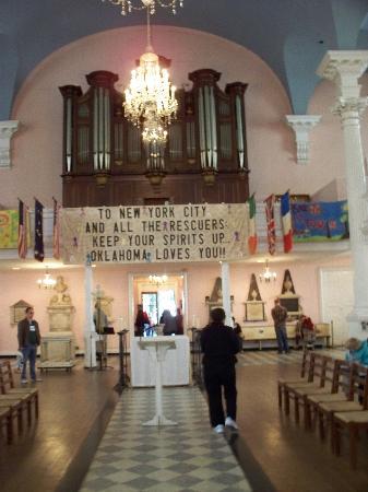 St. Paul's Chapel: Austere interior