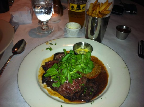 Hemmingway's Bistro : Hangar steak with fries