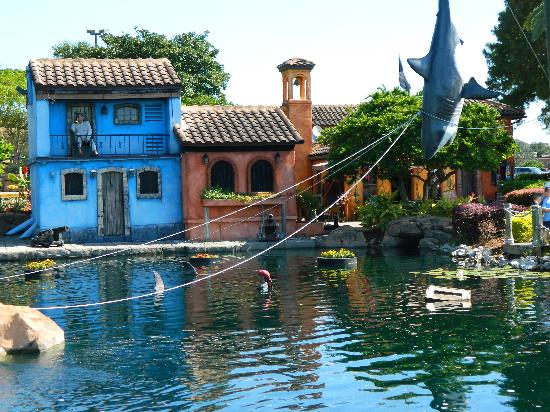 Smugglers cove adventure golf features 18 holes of adventure style golf in which you'll venture through a pirate ship, caves, waterfalls and live alligators! Pirate cove Florida - Picture of Pirate's Cove Adventure ...