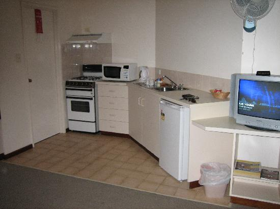 Augusta Molloy Motel : Self contained kitchen