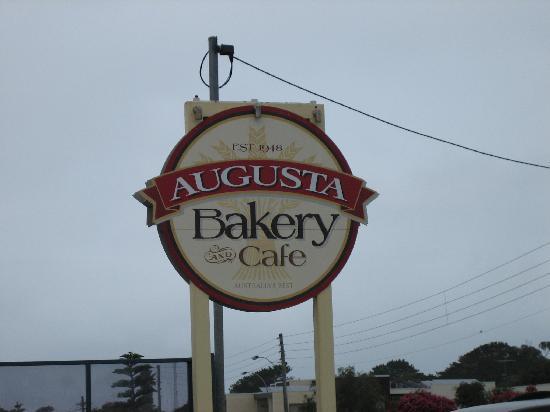 Augusta Molloy Motel: Augusta Bakery