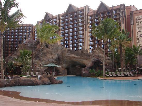 อูลานี อะดิสนี่ย์ รีสอร์ท & สปาอินฮาวาย: The pools are super.  Kids could spend hours out here.