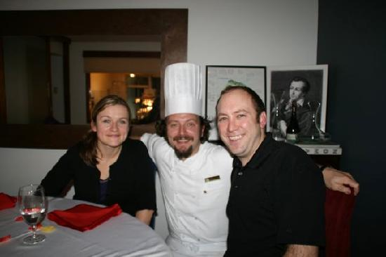 Alma Cocina: Picture taken with Chef Miguel and my wife after our dinner, drinks, and dessert