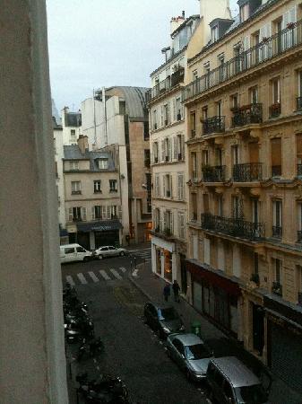 De L'Ocean Hotel: 窓から4階(5階)