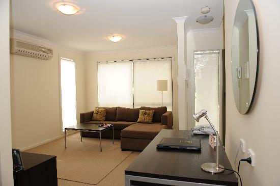 Oceanic on Thompson Apartments: Lounge Room