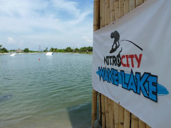 Nitro City Panama Action Sports Resort: Wake Lake