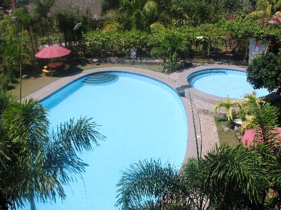 Iba, Philippines: very clean swimming pool