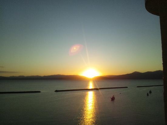 Ibusuki Coral Beach Hotel : 部屋からの日の出