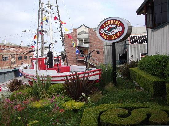 HI Monterey Hostel: sardine factory