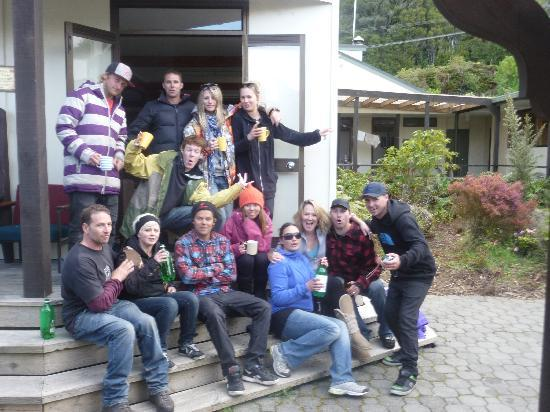 Stewart Island Backpackers : our 1st night at the hostel.. good times!