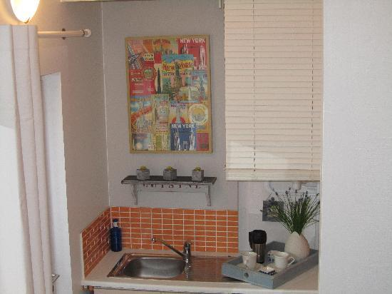 Chambres Hotes Courteline : chambre La Caravelleavec refrigerateur