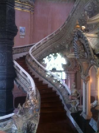 Davis Bangkok: inside the main hall
