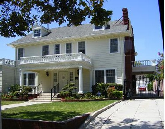 Happy days t v show house picture of dearly departed for Murder house tour los angeles