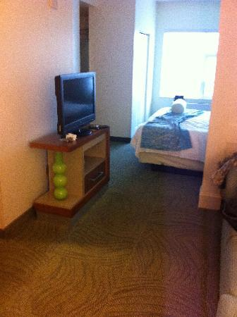 SpringHill Suites Fairbanks: Suite area