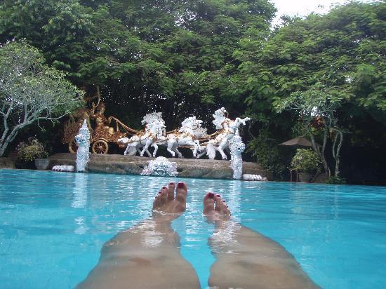 โรงแรมคูมาลาพันไท: one of the pools this one is probably better