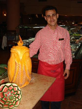 Sea Gardens: Mohamed and Bird carving