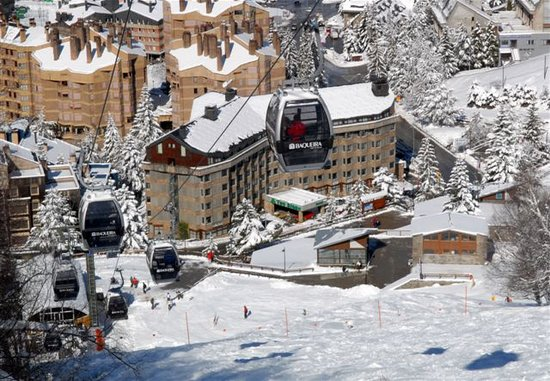 Photo of Hotel Tuc Blanc Baqueira Beret