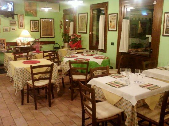 Osteria La Pesa: sala interna
