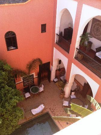 Riad Barroko: Communal