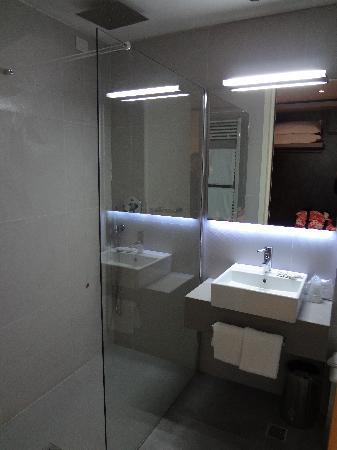 Hotel Lugano Torretta: La salle de bain
