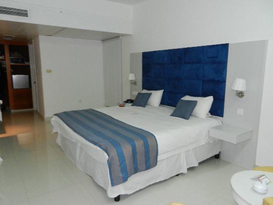 Odessa Beach Hotel: Our Room
