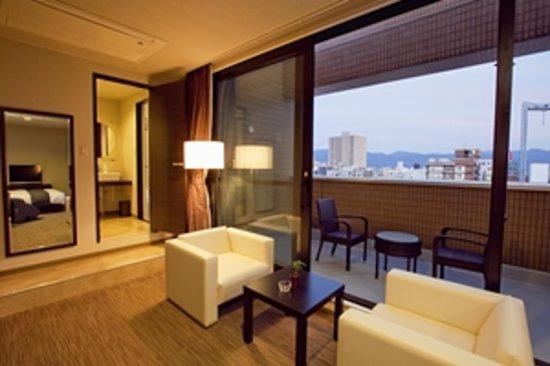Privatestay Hotel Tachibana: 最上階Aのソファー&テラス!