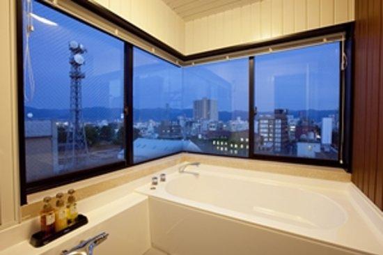 Privatestay Hotel Tachibana: 最上階-Aには展望バスも完備!
