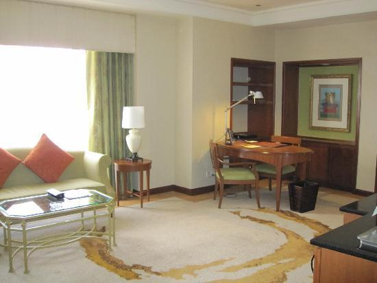 Sheraton Imperial Kuala Lumpur Hotel: Our suite!