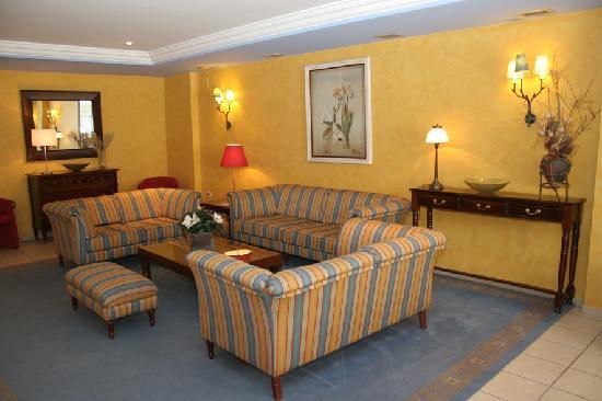 Hotel Telecabina Montana: Sala Recepción