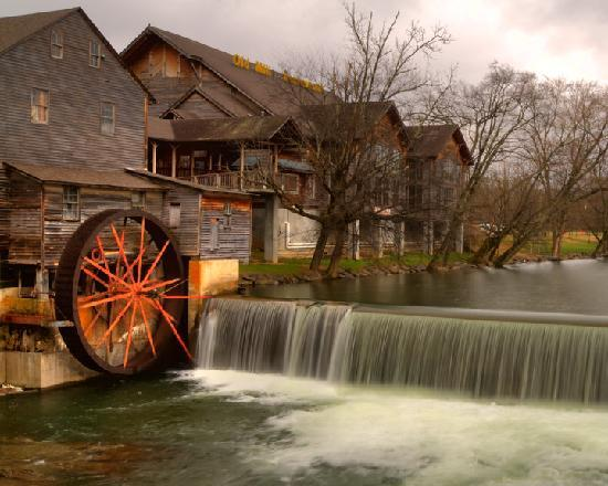 Old Mill Restaurant Pigeon Forge Tn Reviews
