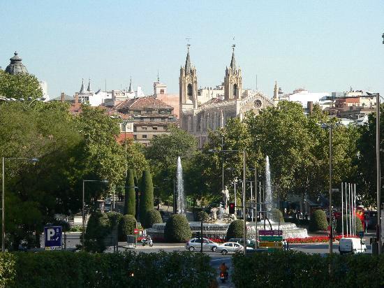 Hotel Villa Real: vista ddall'albergo