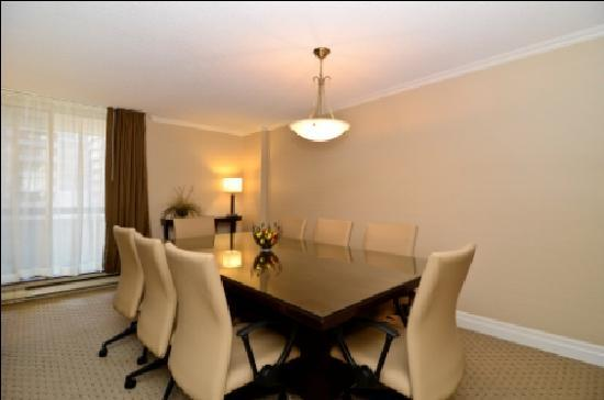 Albert at Bay Suite Hotel: Boardroom Suite