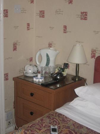 Hunters Lodge Hotel: Kettle
