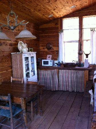 Seventy-four Ranch: Kitchenette Area