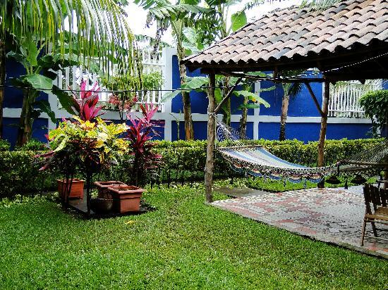 Viva Nicaragua Guest House: One of the pavilions.  Lovely and relaxing!