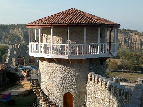 Telavi, Georgia: hotel tower with guest rooms