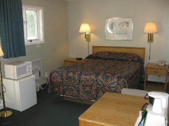 The Crow Peak Lodge: Our room (Room 123)