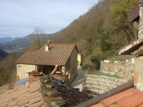 Vista dall 39 alto picture of agriturismo pian di fiume bagni di lucca tripadvisor - Agriturismo bagni di lucca ...