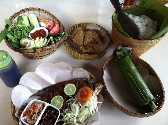 Pawon Pasundan : various dishes