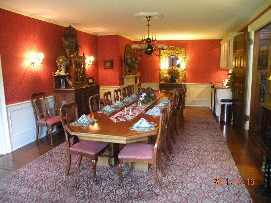 Ivy Lodge: Dining Room