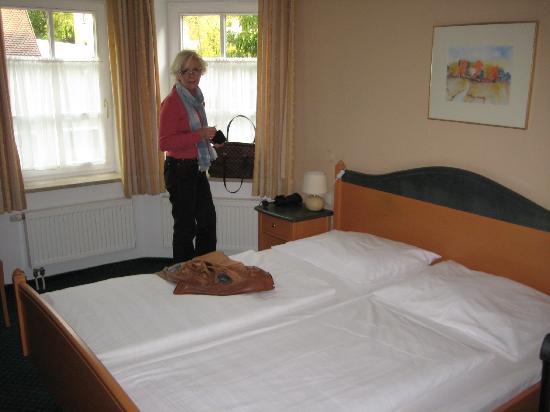 Wieninger Schwabenbrau: Big comfy bed
