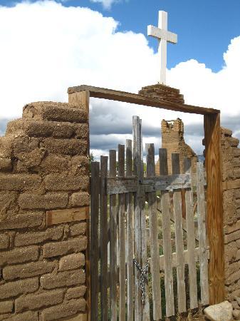 Taos Pueblo: Pueblo cemetery