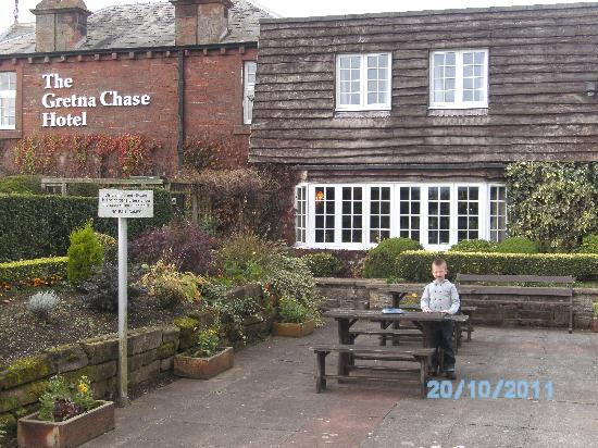The Gretna Chase Hotel: beer garden
