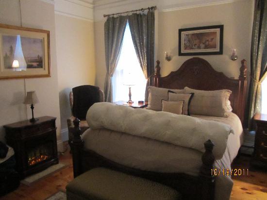 Inn On Carleton: Room #2
