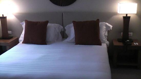 IL LETTO KING SIZE - Picture of Radisson Blu Hotel, Milan, Milan ...