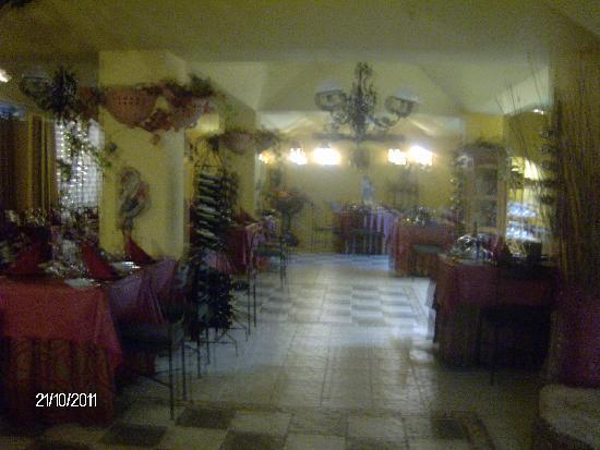 Green Garden Resort & Suites: restaurante